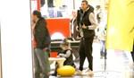 Paparazzi! Δημήτρης Διαμαντίδης! Οικογενειακή βόλτα για ψώνια!
