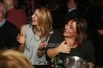 Paparazzi: Η Τζένη Μπαλατσινού και η Βίκυ Σταυροπούλου στα μπουζούκια