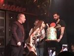Η Φουρέιρα έσβησε την τούρτα του Φώτη Σεργουλόπουλου!