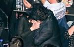 Τα καυτά φιλιά του ζευγαριού της ελληνικής showbiz, για πρώτη φορά, μπροστά στο φακό!