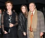 Paparazzi! Τόλης Βοσκόπουλος – Άντζελα Γκερέκου: Σπάνια βραδινή έξοδος με την κόρη τους