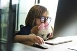 Είναι το internet η νέα παιδική χαρά;