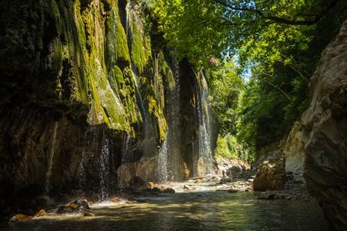 <span class=categorySpan colorLightBlue>Travel/</span>Ταξιδεύουμε στο Καρπενήσι! Να γιατί πρέπει να το επισκεφθείτε!