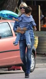 Φαίη Σκορδά: Δείτε πώς περνά το απόγευμα στο σπίτι της με τον γιο της!