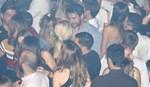Σπυροπούλου – Κοτσοβός: Οι αγκαλιές και τα φιλιά σε βραδινή τους έξοδο!