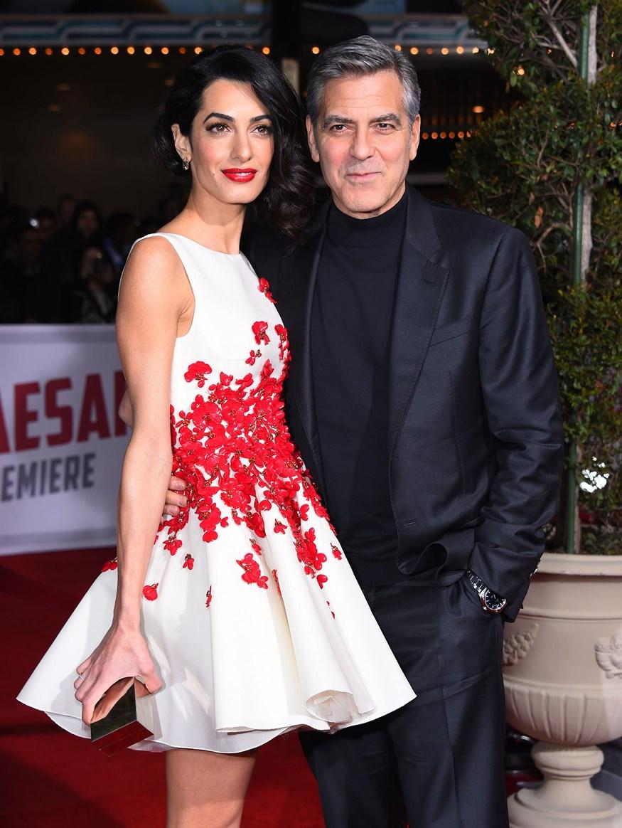 Αmal Alamuddin: Οι πρώτες εικόνες της συζύγου του George Clooney με φουσκωμένη κοιλίτσα