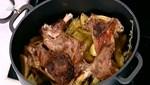 Kατσικάκι με λαδορίγανη και πατάτες στον φούρνο από την Αργυρώ Μπαρμπαρίγου (Video)