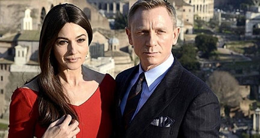 Στον γάμο του Ντάνιελ Γκρεκ έγινε η διάσημη ηθοποιός η πέτρα του σκανδάλου.  Η Ιταλίδα πληθωρική σταρ θα συμπρωταγωνιστήσει στην σειρά «Spectre» με τον  ... 8007ecb9d27