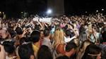 Crowd surfing στην Τεχνόπολη στο Γκάζι!  Έλληνας τραγουδιστής αποθεώθηκε