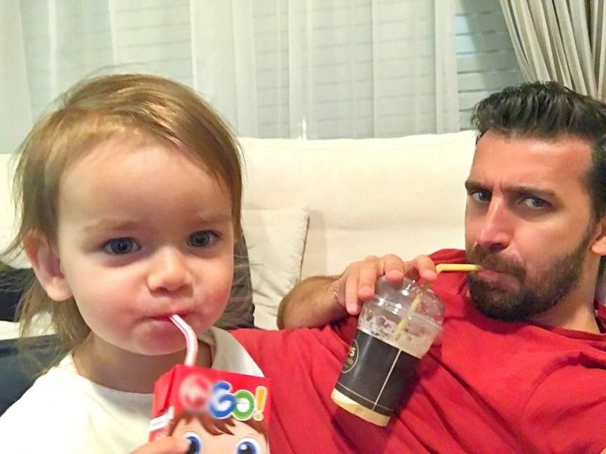 Ο Θανος Πετρελης με την κόρη του