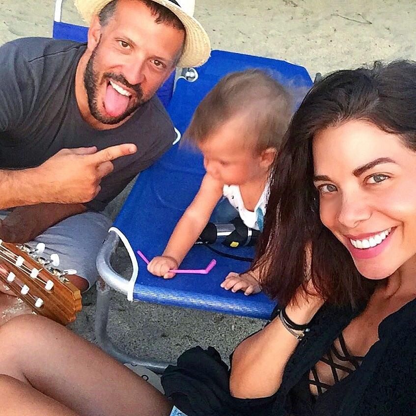 Η Τζο Λαζοπουλου με τον γιο της και τον σύζυγο της