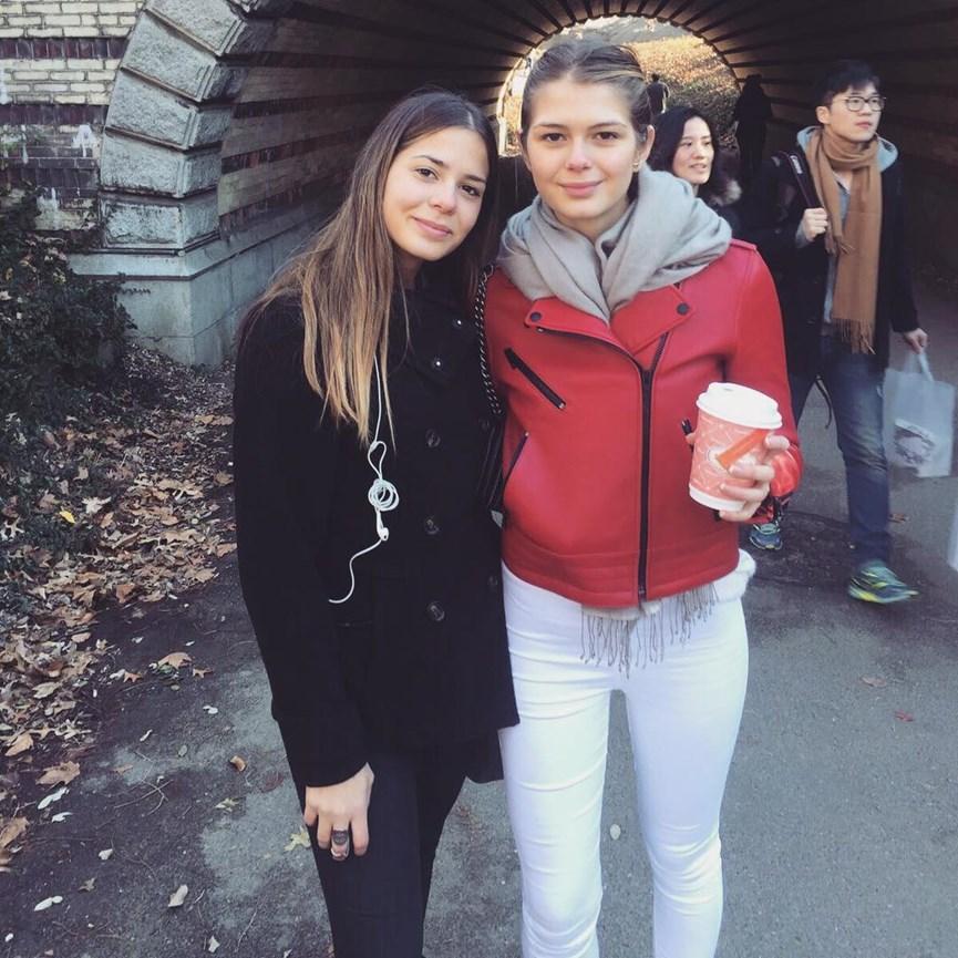 Η Αμαλία με την Αλεξάνδρα Κωστοπούλου