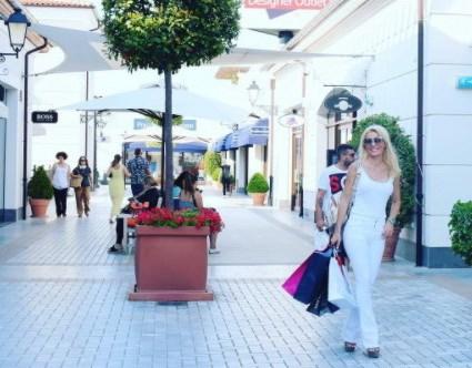 Η Ελένη Μενεγάκη στις νέες της αγορές