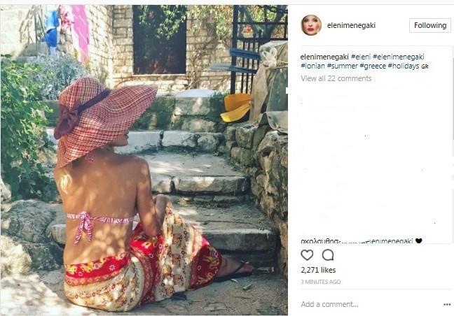 Η Ελένη Μενεγάκη στις διακοπές της