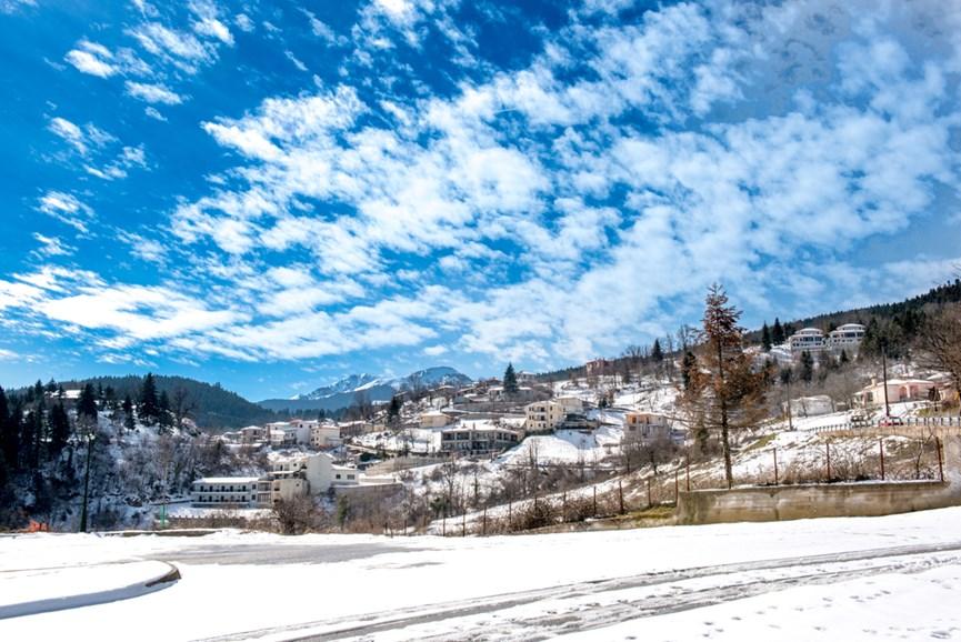 Χιονισμένο τοπίο στη Λίμνη Πλαστήρα