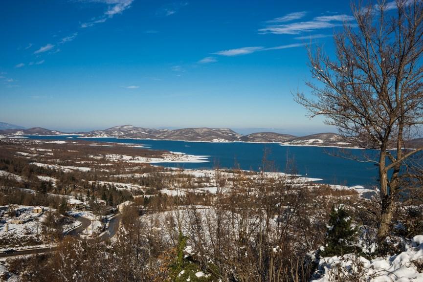 Θέα από τη Λίμνη Πλαστήρα