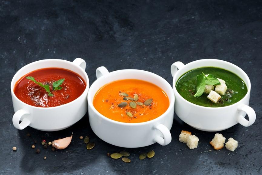 Τρία δοχεία με σούπα